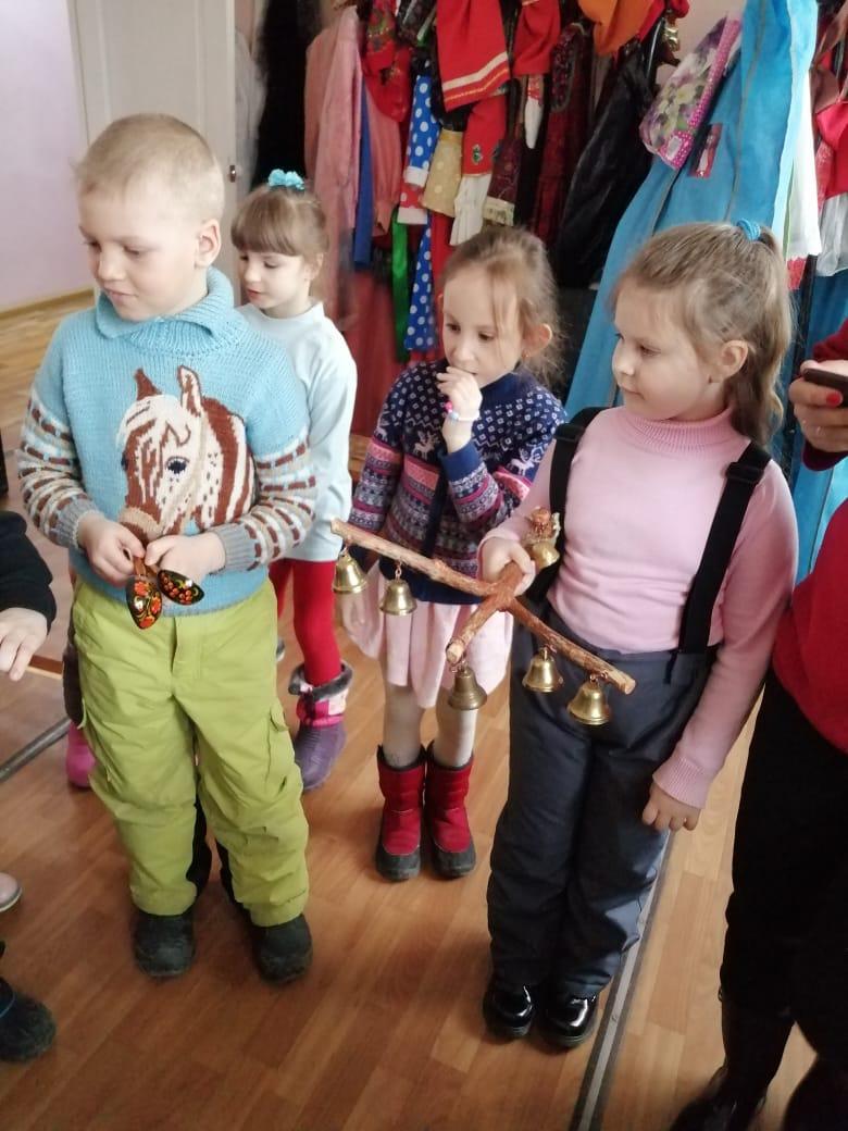 Тематическая экскурсия по районному Дому Культуры